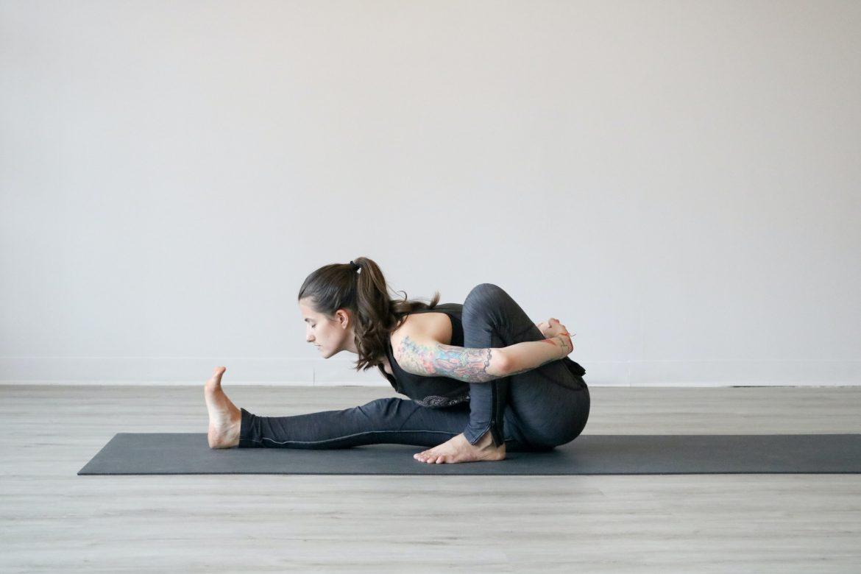 beneficii yoga slabit poate cineva să piardă în greutate prin a sări peste